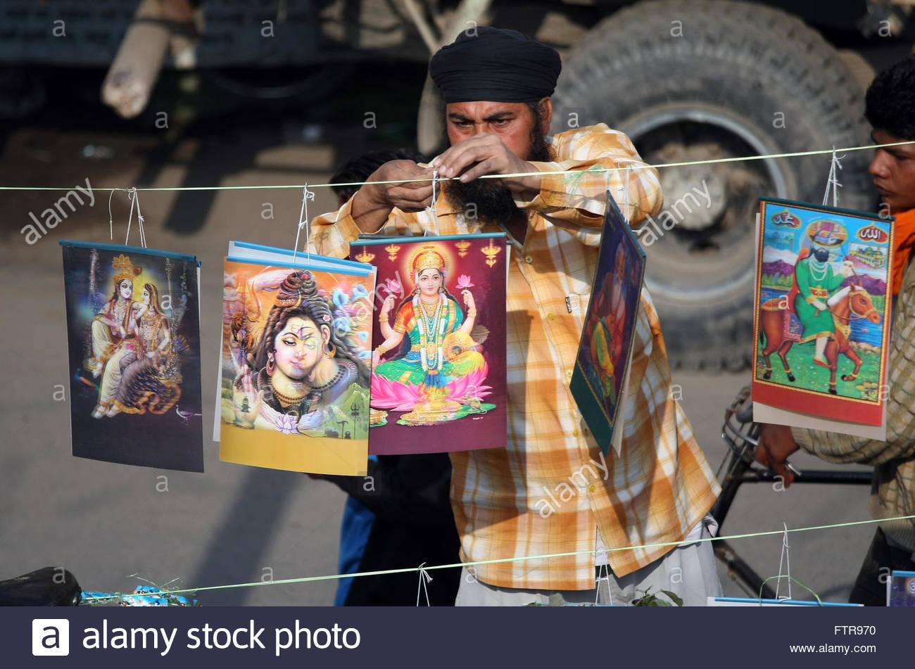 Poster do filme Selling God