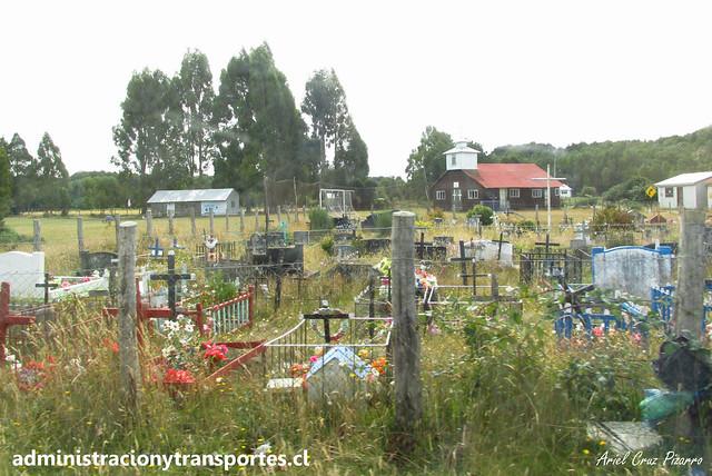 Cementerio Isla Caucahue
