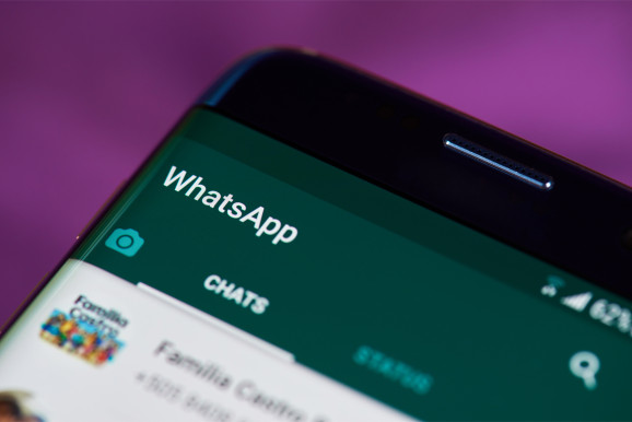 WhatsApp curbs message forwarding in bid to deter India lynch mobs     MUMBAI  Facebook Inc s WhatsApp is rolling out a global test measure to  rein in messages forwarded by users  the messaging app said  after the  spread of