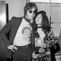 http://i1.wp.com/cache2.allpostersimages.com/p/LRG/30/3011/3Q7BF00Z/posters/yoko-ono-launches-new-book-john-lennon-signing-copies-of-grapefruit-at-selfridges-july-1971.jpg?w=200