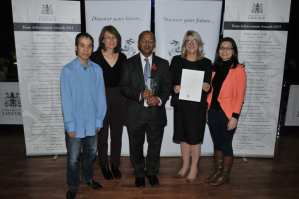 CaHRU receive University of Lincoln team award for achievement in research in 2015