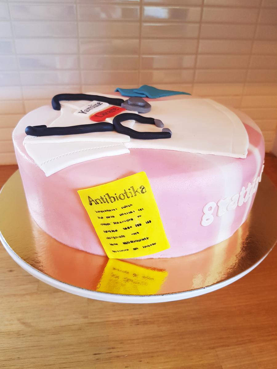Doctor cake med school graduation cake - examenstårta läkare