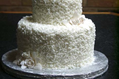 Small wedding cakes pics photos small wedding cake pictures on wedding cakes junglespirit Images