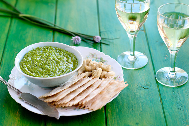 Cashew-and-Chive-Pesto