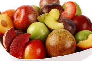 Plumcot mix cropped