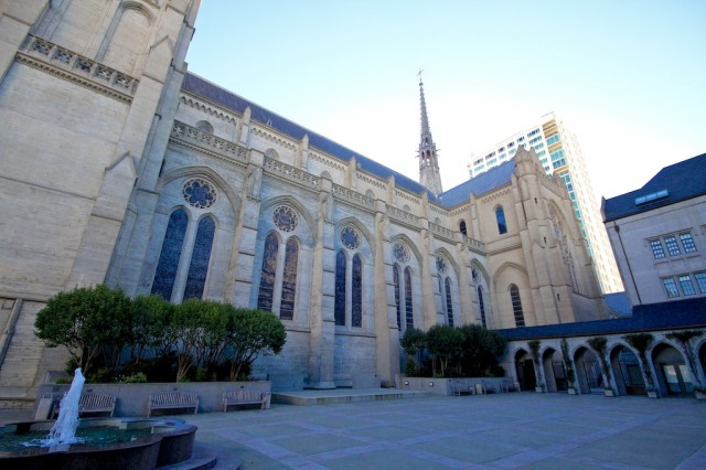 Grace Cathedral Exterior 640x426