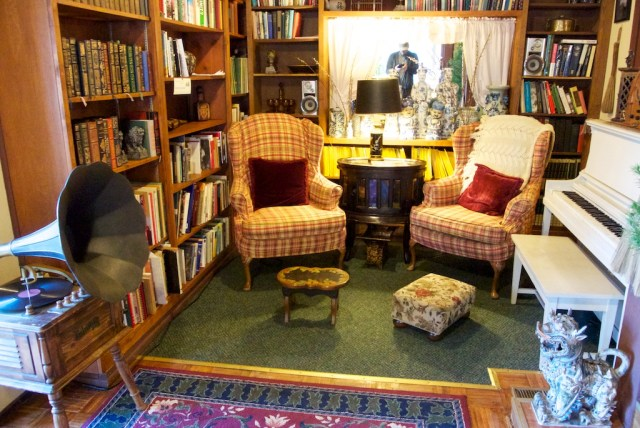 Strawberry Inn Interior 640x428