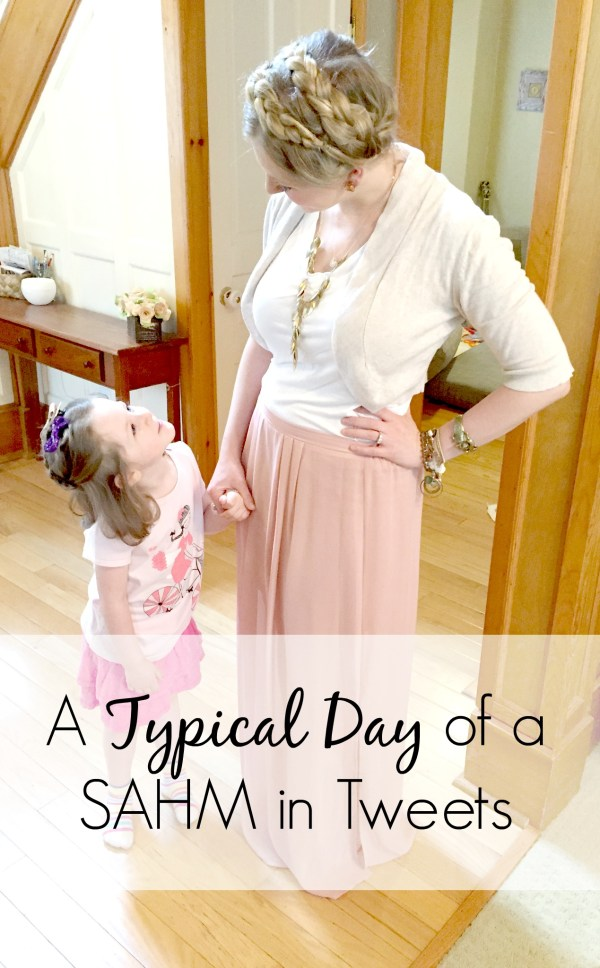 Ever wonder what a stay-at-home-mom does all day. Here is a typical day in this mom's life - her stay at home mom schedule. And while kids change and days vary, this will at least give you a basic idea of what each minute looks like. | motherhood | parenting tips | toddlers | mom life