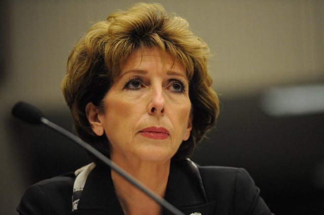 Defiant UC Davis chancellor's days likely numbered