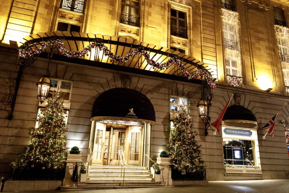 marriage-proposal-ritz-hotel-london-19