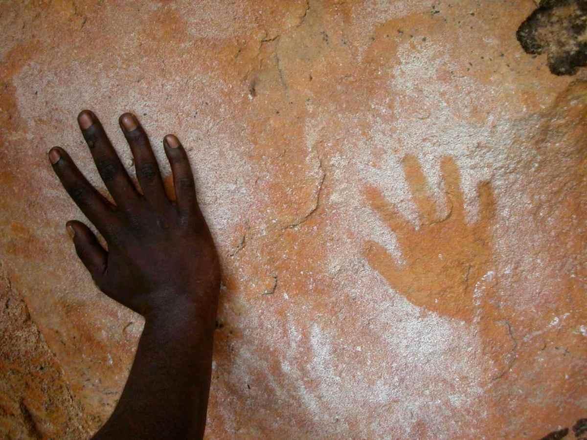 Gundjeihmi hand stencil