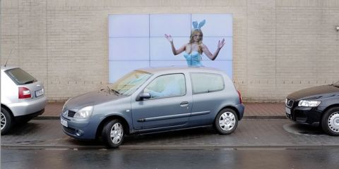 fiat-human-parking-aid-billboard_cotw