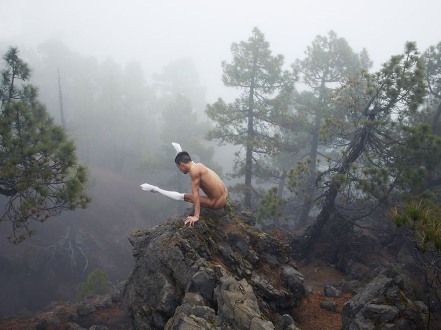 This-Swedish-Photographer-Captures-Mindblowing-Images-of-Dancers-in-Nature13__880