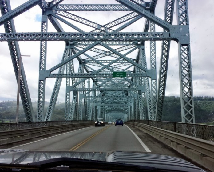 Longview Bridge Entering Oregon