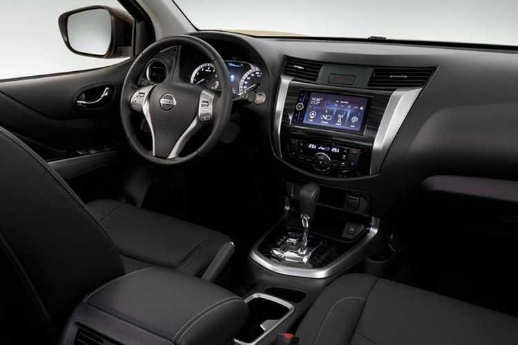 Interior do Nissan Terra não muda muito em relação a Frontier (Foto: Divulgação)