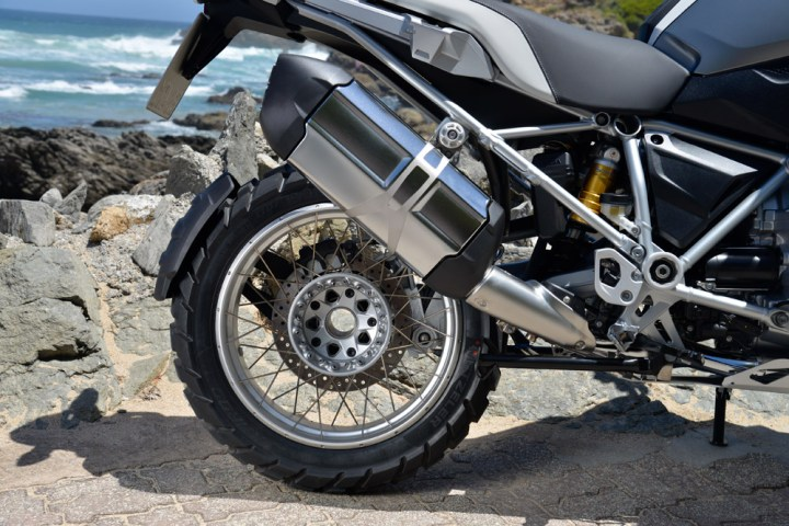 R1200GS_wheel_pipe