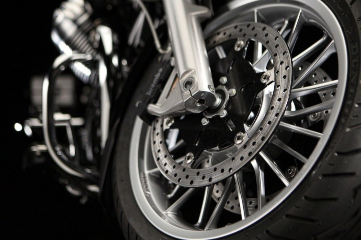 California-Touring_front-wheel