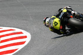 Yamaha satellite rider Bradley Smith was racing with a mangled hand, but still managed to keep it together and finish in sixth. Photo: MotoGP