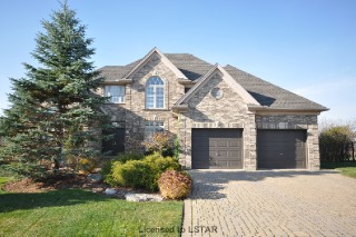 Large House with double garage Canada