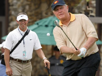 Jack Nicklaus prepares for an appearance at next week's Masters with Canadian swing coach Sean Foley (left). (Photo courtesy I. Andrew Media)