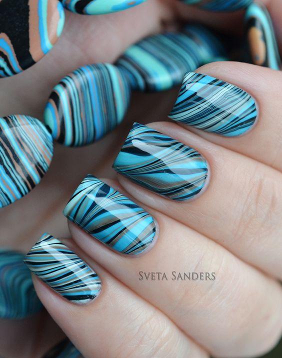 decoración de uñas con agua 2