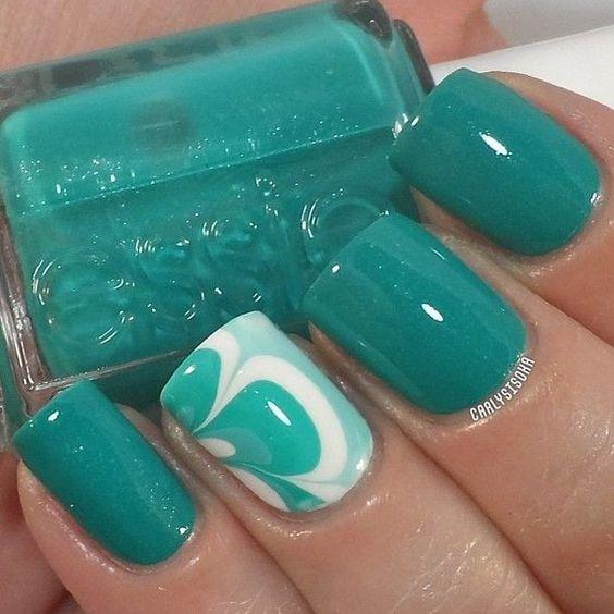 decoración de uñas con agua 4