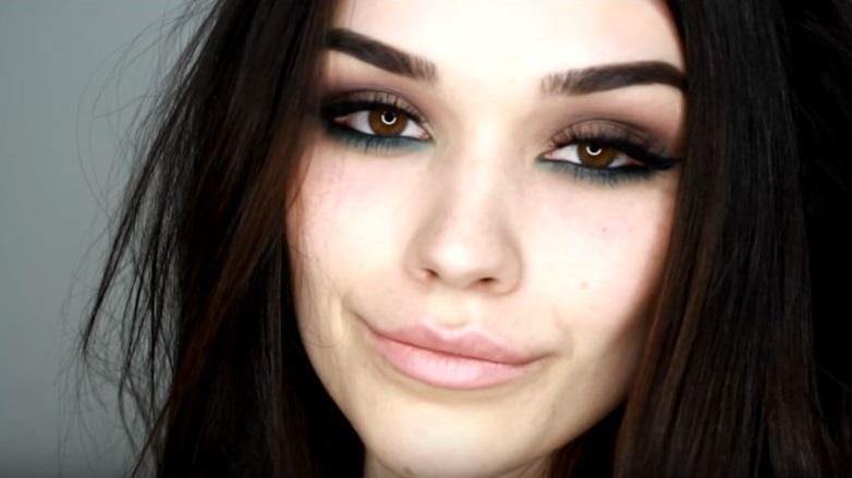 maquillaje para morenas en azul