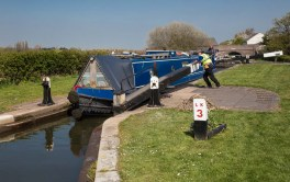 Volunteer working Curdworth Lock 3 for grateful single-hander.