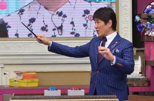 林先生をイメージして作った特性の杖をプレゼントされた林先生