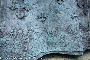 Close up detail of Queen Elizabeth's skirt