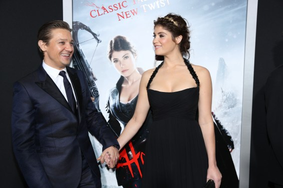 D012413A 0710 565x376 Celeb Images: Jeremy Renner and Celebs Attend the Los Angeles Premiere of Hansel and Gretel: Witch Hunters