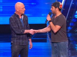 Video: Watch America's Got Talent Season 1 Premiere Episode 1. Howie Mandel doesn't like to be touched, and would prefer fist bumps to handshakes. See hypnotist Chris Jones convince Howie to shake hands with his fellow judges!