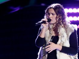 """Watch The Voice Season 11 Episode 6 Blind Audition Videos: Monday, October 3, 2016. See 17 year old singer Natashe Bure, daughter of Candace Cameron Bure of """"Full House"""" fame and former hockey star Valeri Bure sing Elvis Presley's classic song """"Can't Help Falling In Love"""" for the coaches and the crowd. Adam Levine was the only coach to turn around for her. Congrats to Team Adam!"""