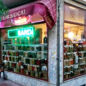 Store front of Asri Tursucu