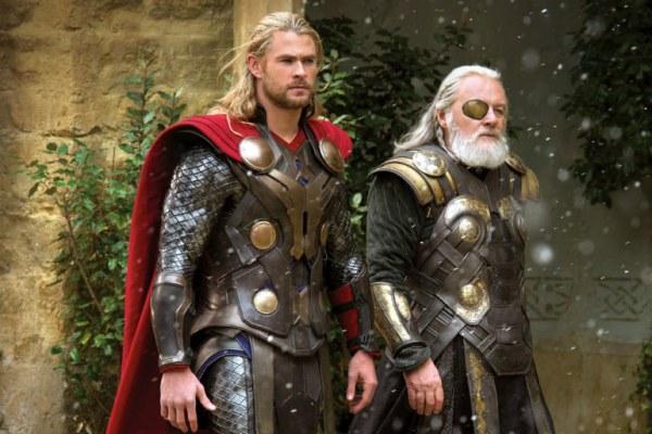 CIBASS Thor 2 el mundo oscuro Thor y su padre Odín