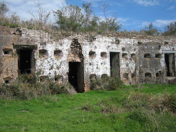 Ruinas de Fort Macomb en Louisiana,  escenario para Carcosa