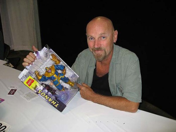 CIBASS Jim Starlin y una figura de su legendaria creación Thanos