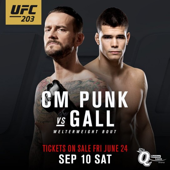 CM-Punk-vs.-Mickey-Gall-en-UFC-203-10.09.2016-UFC