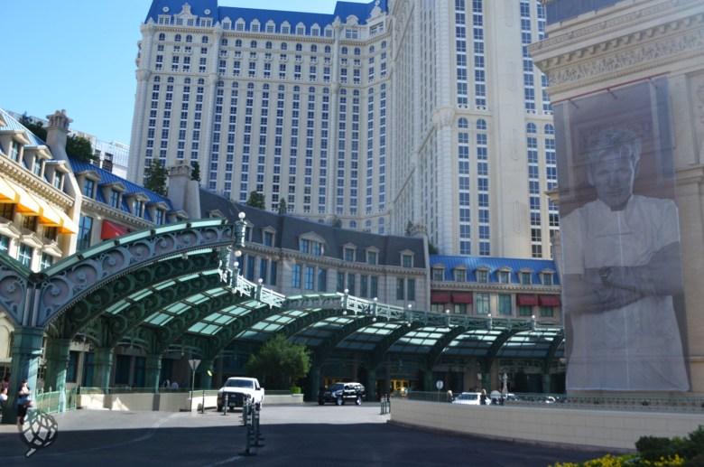 Paris Hotel estacionamento