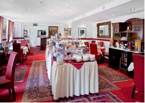 Hotel-Nuremberg-cafe