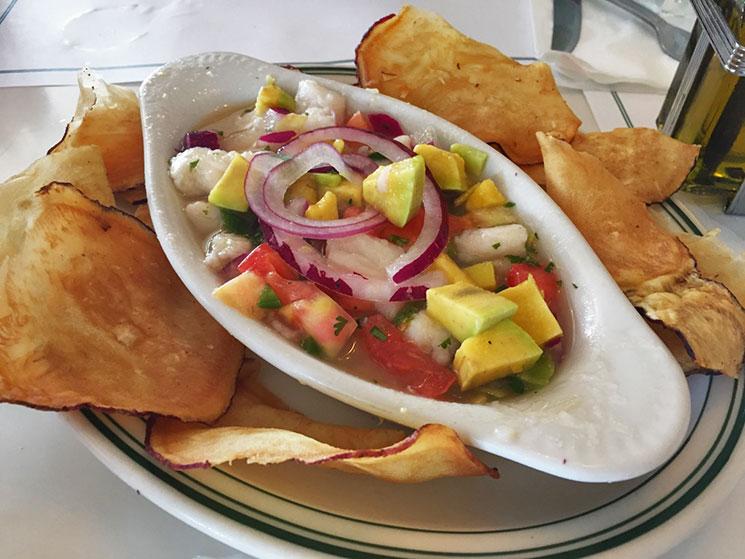 Ceviche do Restaurante Versailles em Little Havana em Miami