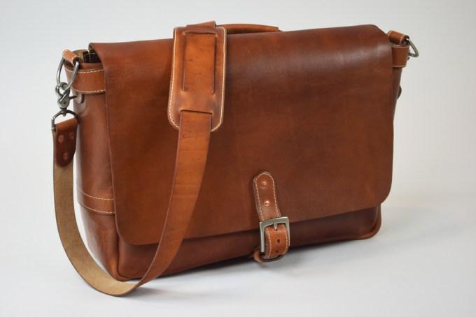 leather bag messenger