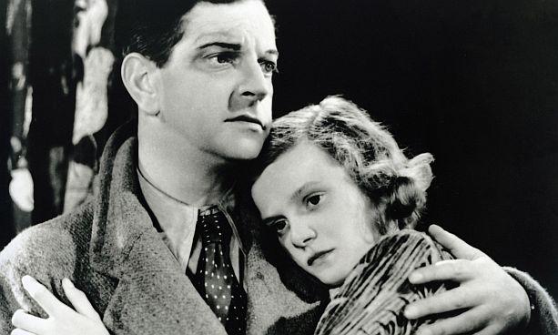 Nova Pilbeam con Leslie Banks en 'El hombre que sabía demasiado' (1934).