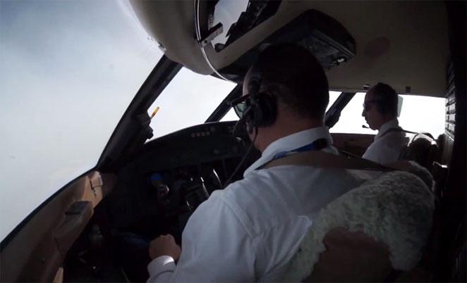 Despegue y aterrizaje desde la cabina de los pilotos