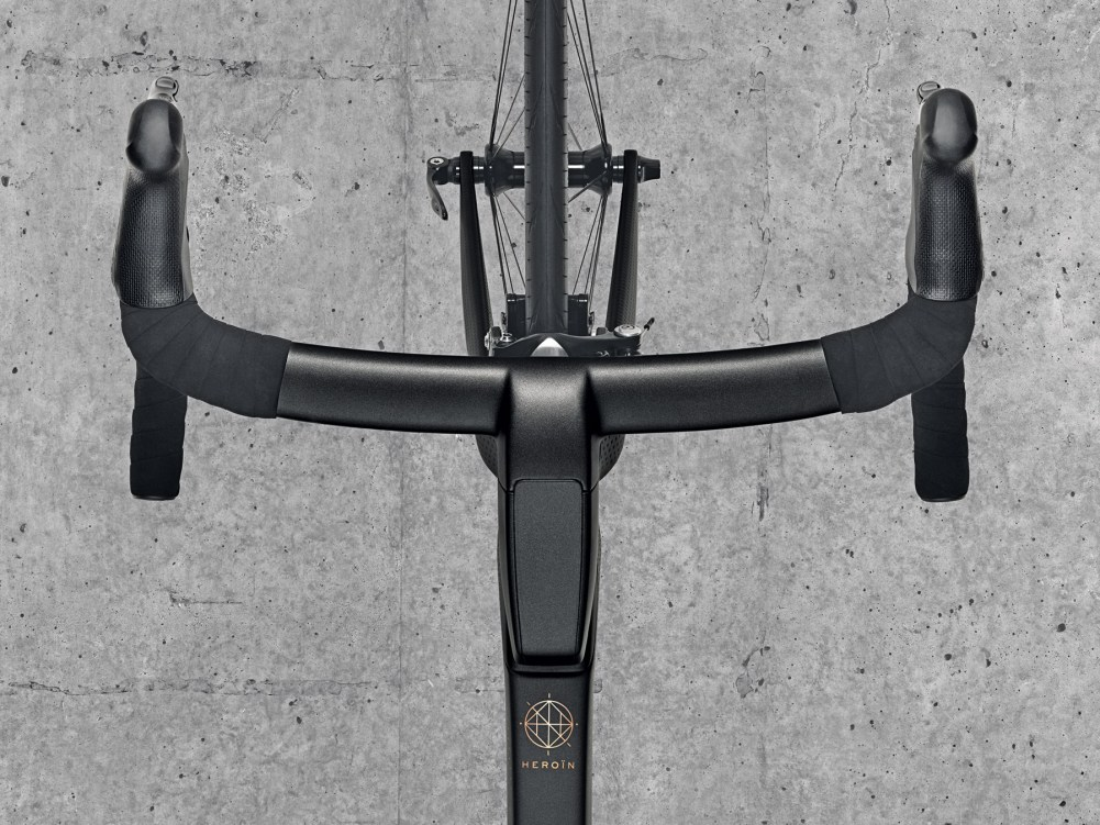 heroin-bike-project_limited-edition-luxury-aero-road-bike_integrated-cockpit