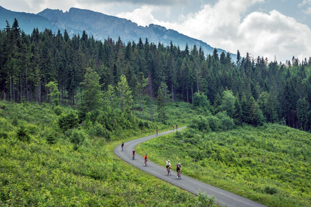podia_tatra_roadventure_eastern-europe-fully-supported-road-travel-tour_winding-road