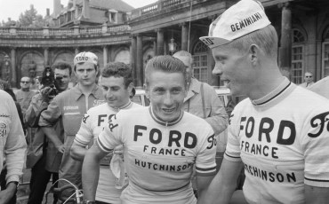 Lucien_Aimar,_Jacques_Anquetil_and_Arie_den_Hartog,_Tour_de_France_1966