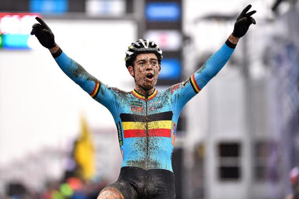 wout_van_aert_world_champion_sptdw609_670