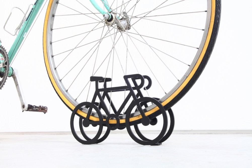 on-bicycle-stand-yuma_kano_urbancycling_5