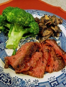 Nourishing ribeye, broccoli and mushrooms